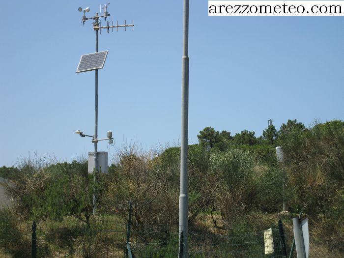 Pannello Solare Per Anemometro Oregon : Arezzo meteo le due stazioni di castiglion fibocchi