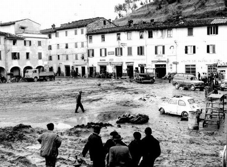 ponte-a-poppi-alluvione-novembre-1966-1