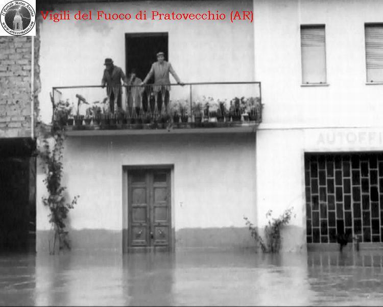 ponte-a-poppi-alluvione-novembre-1966-12