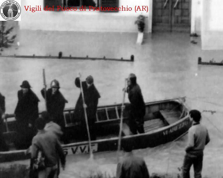 ponte-a-poppi-alluvione-novembre-1966-13