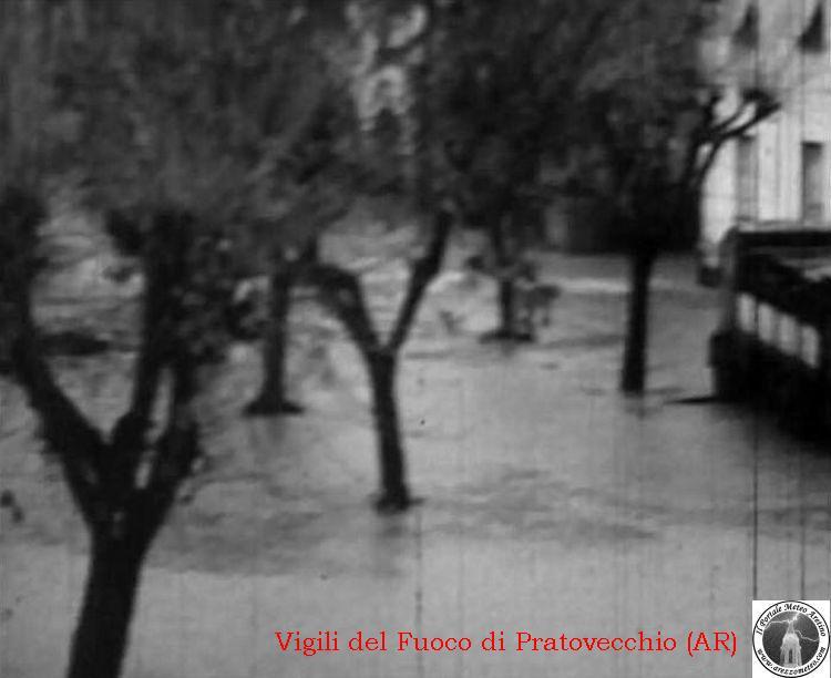 ponte-a-poppi-alluvione-novembre-1966-3