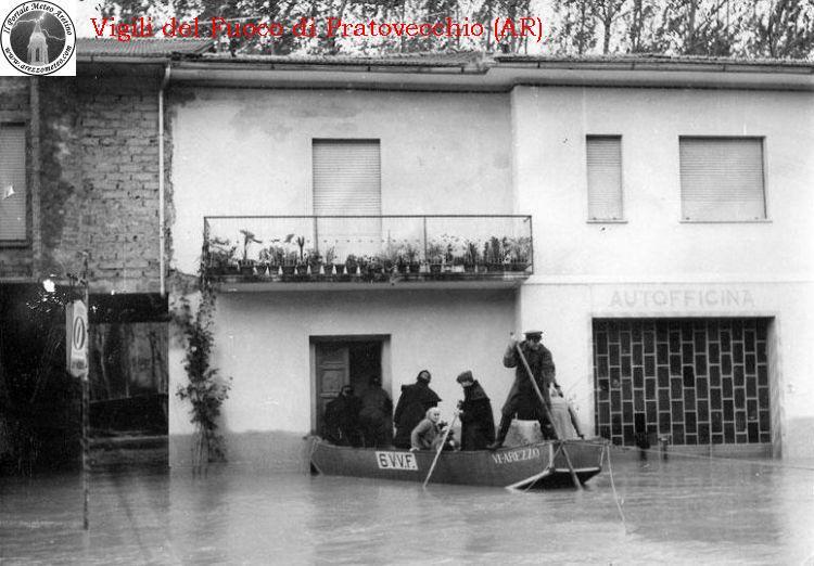 ponte-a-poppi-alluvione-novembre-1966-8